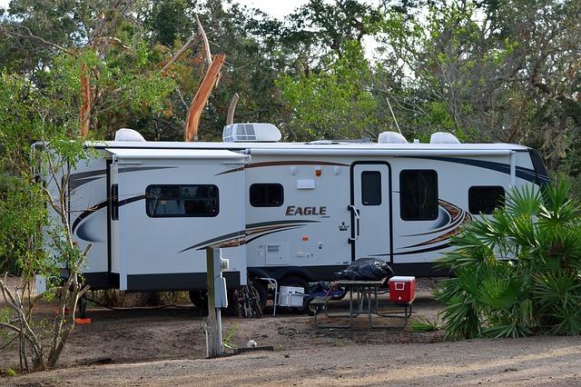camping-2838046_640